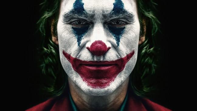 joker-2019-joaquin-phoenix-clown-5c